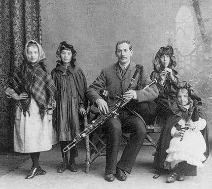 bag-pipe-family-twg