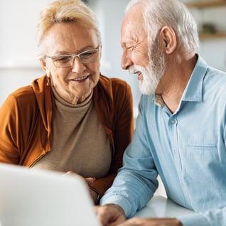 couple-computer